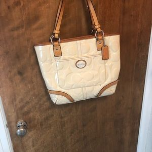 Coach patent leather winter white shoulder bag